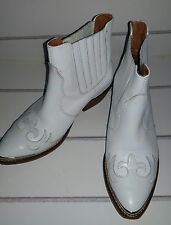 Designer CARVELLA by KURT GIEGER White Leather Ankle Cowboy Boots. Size UK 3.