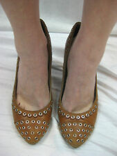 Marc by Marc Jacobs Size 39 or 8 Brown Tan Stud Classic Pump