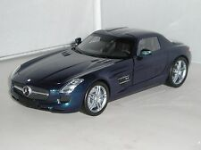 100 039021 Minichamps Mercedes Benz SLS AMG 2010 Blue Car 1:18 Scale New