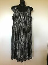 Size 16 Smart Flattering Black Geometric Print Dress - Autograph