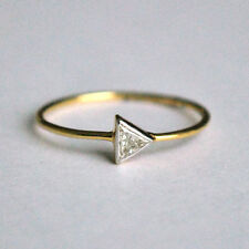 18Carat Yellow Gold Unique Trillion Diamond Solitaire Handmade Ring 0.15cts GSI1
