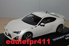 1/43 2012 TOYOTA 86 GT LIMITED COUPE IN SATIN WHITE PEARL KYOSHO J COLLECTION