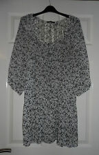 George White & Black Floral size 18 Top.