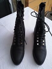 Her Majesty Ladies Boots Black Size 8