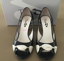 Pre-owned TINA D Black & White Patent Leather Peep Toe Shoes Size 35.5