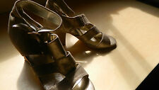 Top End Designer Ladies Gold Leather Heels Size 7
