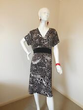 JOANNES FACTORY OUT LET  LEOPARD PRINT STRETCHY DRESS SIZE 14  TO 16 STRETCHY