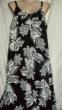 SUSSAN Black White lined Trapeze DRESS exclusive Print Size 18 NEW