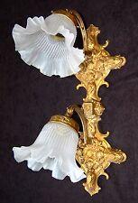 Wandlampe Lampe Messing Antik mit satiniertem Glasschirm