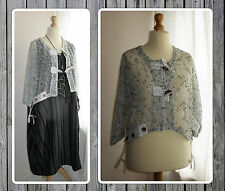 BNWT QUIRKY LAGENLOOK NET/MESH, WHITE & BLACK, CROPPED CARDIGAN,  OSFA