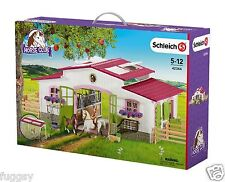SCHLEICH Horse Club Riding Centre Stable with Rider Horses Accessories 42344 NEW