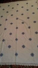 Tischdecke handgestickt mit Spitze gr.110x165 cm