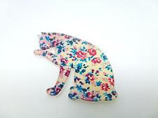 DETAILED LAZER CUT ACRYLIC FLORAL CAT LICKING PAW BROOCH PIN EC FLOWERS