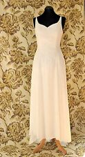 Stunning Wedding dress in Ivory Chiffon. Size 12