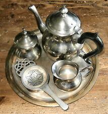 Tee - Service - Teekanne - Kännchen auf Tablett - Tee Set - Silber? Versilbert?