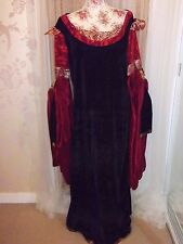 Ladies Size L/XL Black & Red Velour Long Gothic Medieval Dress