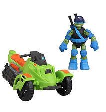 """Teenage Mutant Ninja Turtles Vehicle Boxed set with LEONARDO 5"""" toy figure"""