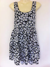 NWT Ladies Fully Lined Black Tiered Dress With Floral Daisy Print Size 14