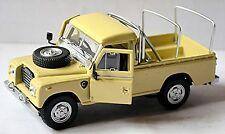 Land Rover Series III 109 with Roof Rack 1971-84 beige 1:43
