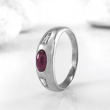 RENÉ KERN Ring mit Rubin-Cabochon & 2 Diamanten in 750/18K Weißgold - 5,3 g
