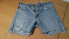 2 LEVIS Jeans Short davon eine 501 cool läßig, modischer Styl * USED Look