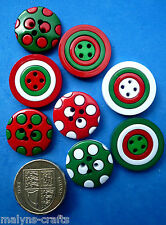 CHRISTMAS COLOURS Craft Buttons Mixed Novelty Sewing Round Red Green White Sew