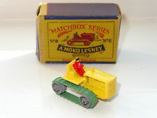 matchbox CATERPILLAR TRACTOR - red driver - 8 boxed