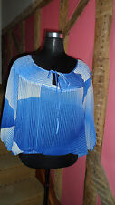 Size12 Short Sleeve Batwing Top with Blue Geometric Print in Silk  by Warehouse