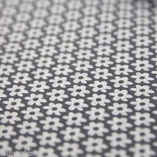 Baumwollstoff Patchwork Blumen Weiß 10mm Groß auf Grau Baumwolle