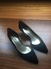 Ninewest black leather kitten heels size 7M *NEW*