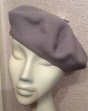 STUNNING VINTAGE LILAC GREY WOOL BERET STYLE HAT