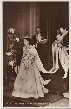 POSTCARD  ROYALTY  Queen Elizabeth II  Coronation