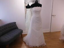 Amanda Wyatt Wedding gown