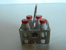 (F3) DOLLS HOUSE FOOD : METAL MILK CRATE AND FOUR BOTTLES OF MILK