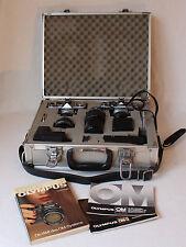 2 Spiegelreflexkameras Olympus OM 1 und OM 2 mit 3 Objektiven (Zuiko) + Zubehör