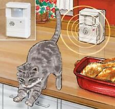 Cat repeller Silent Ultrasonic Sound Scram House training Motion Detector CATS