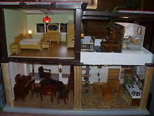 altes Puppenhaus, 2 Etagen mit Licht und Möbel, 50 ziger Jahre, DDR