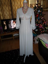 STUNNING VINTAGE LADIES WHITE LONG NIGHT GOWN WITH LACE DETAIL 1960s SIZE 10
