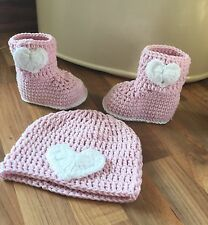 Handmade Baby Girl - Ugg Heart Boots & Hat Set - Pale Pink & White 6-12mths