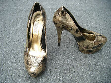 "New Look ""Your Feet Look Gorgeous"" Gold Snakeskin Print Platform Heels Size 5/38"