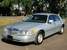 Lincoln%3A+Town+Car+Executive+Series+81K+MILES%21+BRAND+NEW+TIRES%21