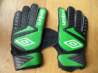 UMBRO DENSTONE GREEN GOALIE GOAL KEEPER GLOVES ADULT MENS 9  MEDIUM  M