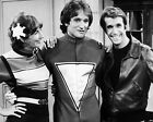 ROBIN WILLIAMS AND HENRY WINKLER  THE FONZ 24 (MORK AND MINDY) CAST PHOTO PRINT
