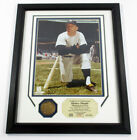 Mickey Mantle Framed Display Photo and Bronze Medallion Highland Mint DF024753