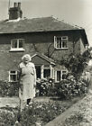Press Photo: Alice Duncombe, The Old Forge, Little Gaddesden, Herts 1976