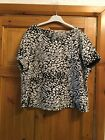 A Lovley Black &  White Top Size 22 Heorge