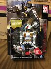 Transformers Generations Deluxe Class Autobot Protectobot Groove - Time Remaining: 8 days 21 hours 54 minutes 20 seconds