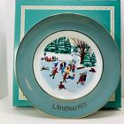 """Avon Wedgwood Christmas Collector Plate 1975 """"Skaters on the Pond"""" 4th Edition"""