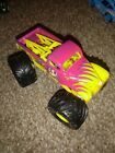 HOT WHEELS LIL MISS DANGEROUS #13 MONSTER JAM MONSTER TRUCKS 2002 MTAL BASE 1:64