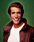 HENRY WINKLER HAPPY DAYS CLASSIC THE FONZ LEATHER JACKET PHOTO OR POSTER